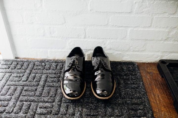Bright-White-Black-Groom-Shoes