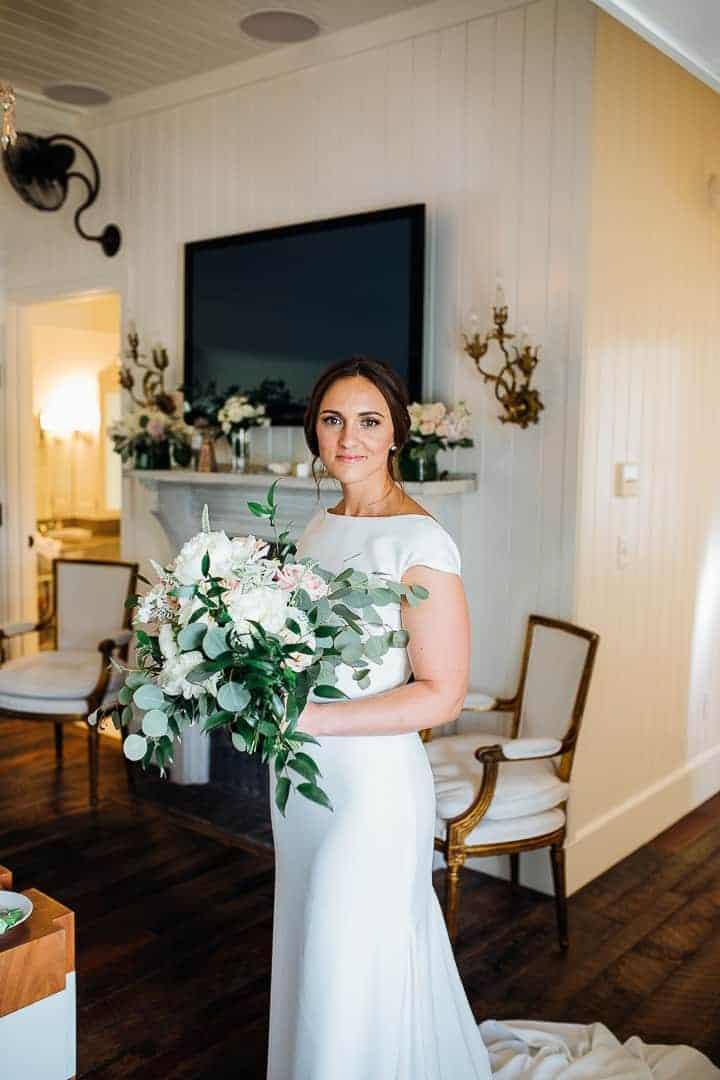 Beautiful-Indoor-Bride-Details