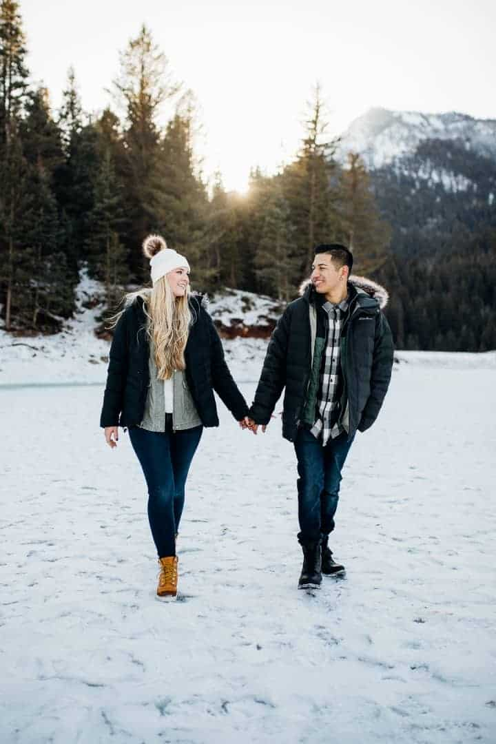 Utah-Engagement-Couple-Walking-In-The-Snow