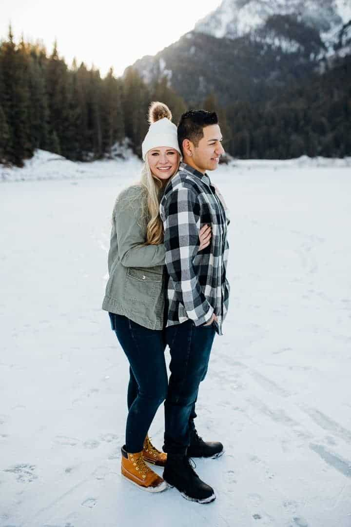 Happy-Couple-In-The-Winter-Canyon