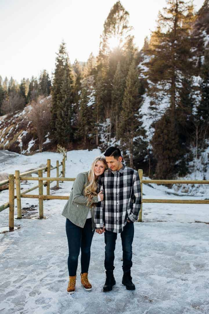 Romantic-Snowy-Engagement-Photo