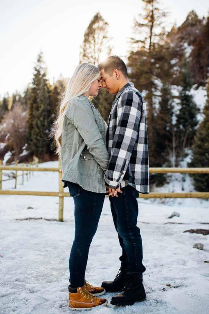 Romantic-Engagement-Snowy-Lake-Photo-Tibble-Fork-Utah
