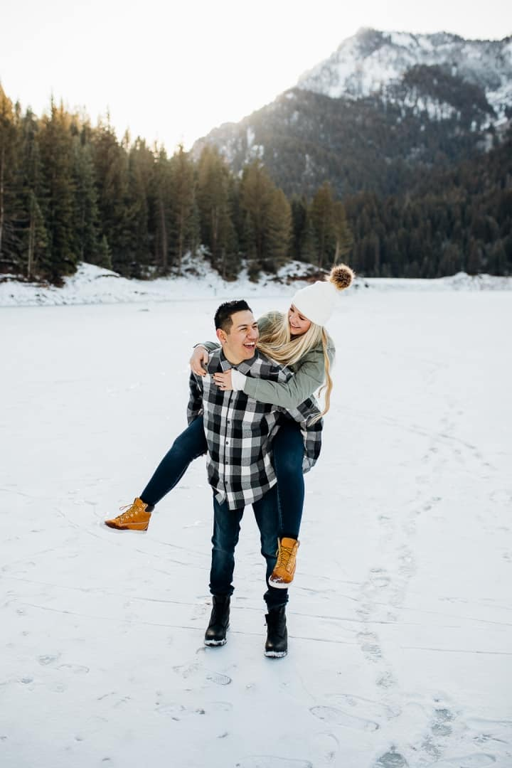 Bright-And-Beautiful-Winter-Engagement-Session