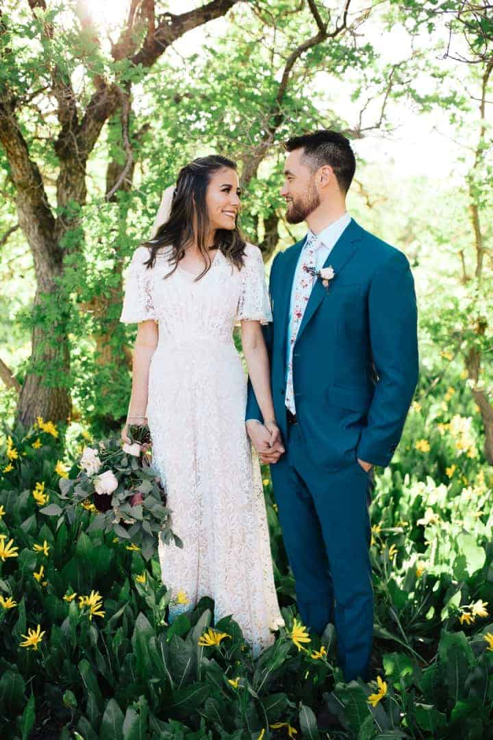 Green-Airy-Wedding-Poses-Provo-Canyon-Utah