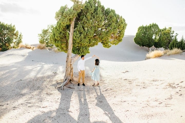 Bright-Airy-Engagement-Pose-Utah