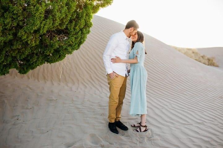 Romantic- Engagement-Moment-Sahara-Desert-Utah