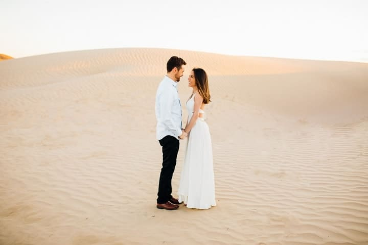 Romantic-Engagement-Pose-In-The-Sunset-Utah