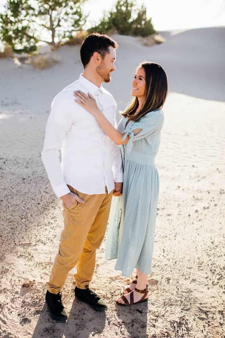 Bright-And-Fun-Engagement-Pose-Utah