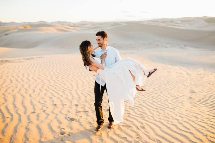 Classic-Engagement-Pose-Sahara-Desert-Utah
