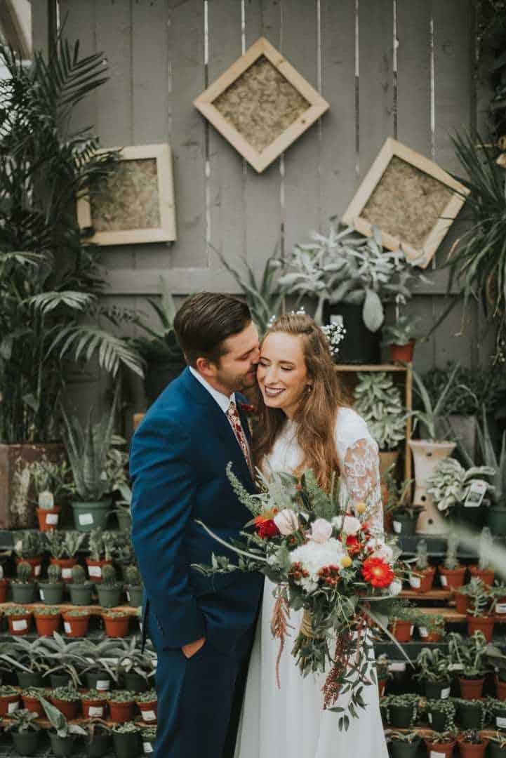 Lovely-Flower-Bridal-Session-Sun-River-Gardens-Utah