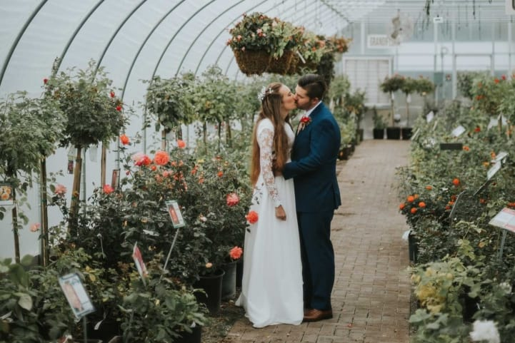 Romantic-Bridal-Kisses-Sun-River-Gardens-Orem-Utah