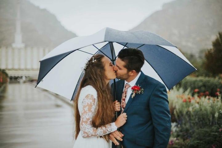 Gorgeous-Umbrella-Bridal-Shot-Provo