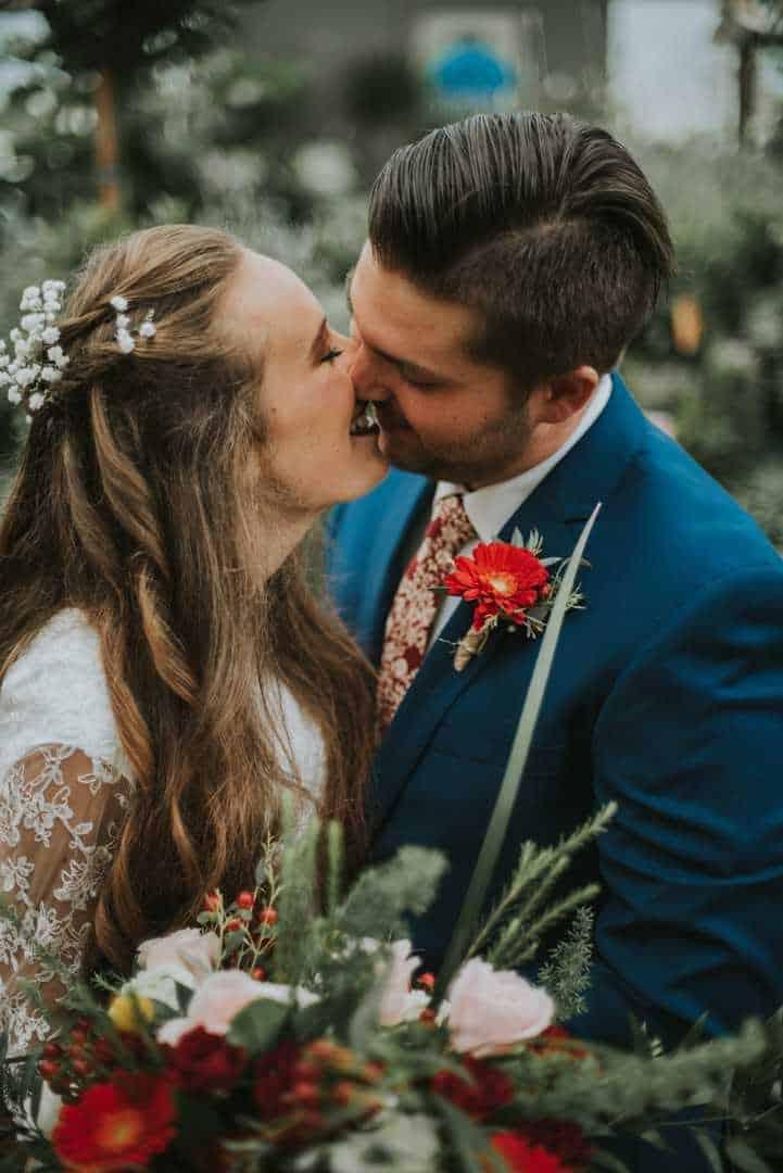 Romantic-Bridal-Kisses-Utah