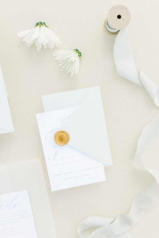 Utah-wedding-photography-invites-flatlay