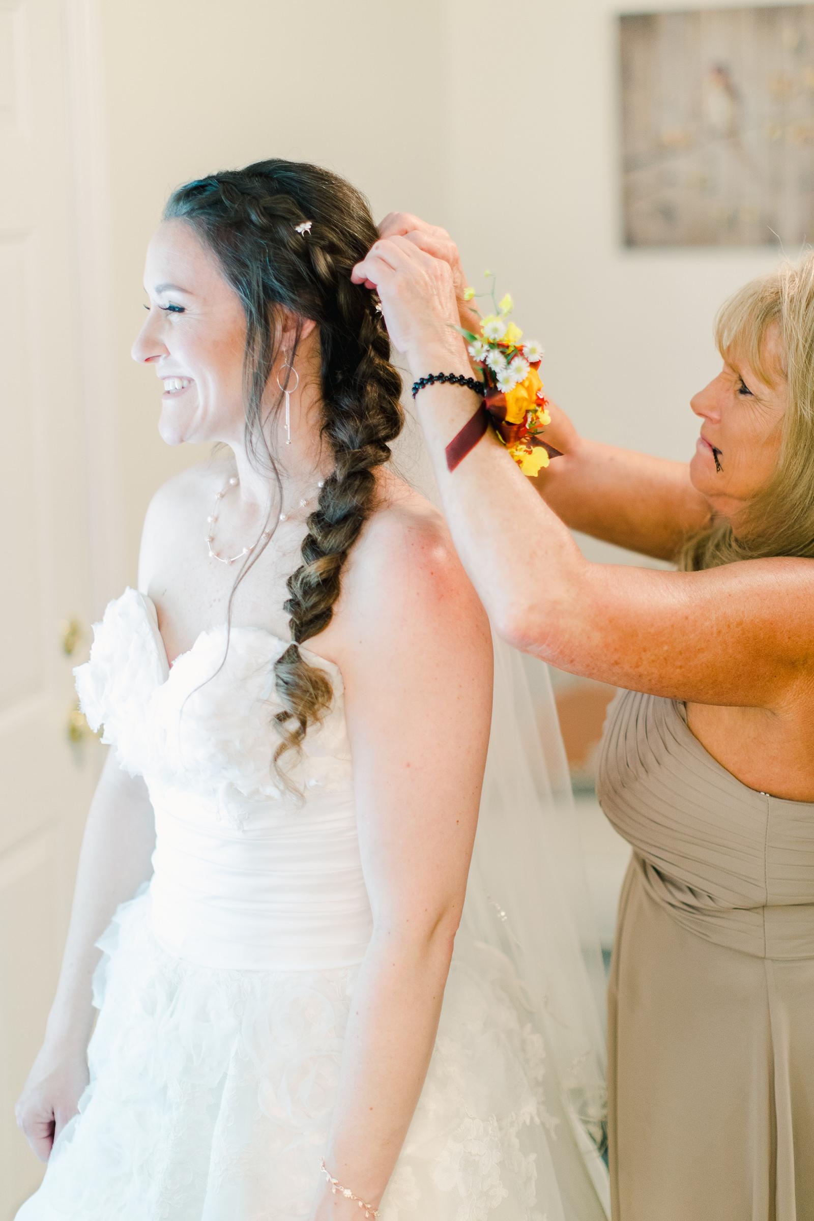 Millcreek Inn Summer Wedding, Utah wedding photography Millcreek Canyon, Salt Lake City, bride getting ready long veil