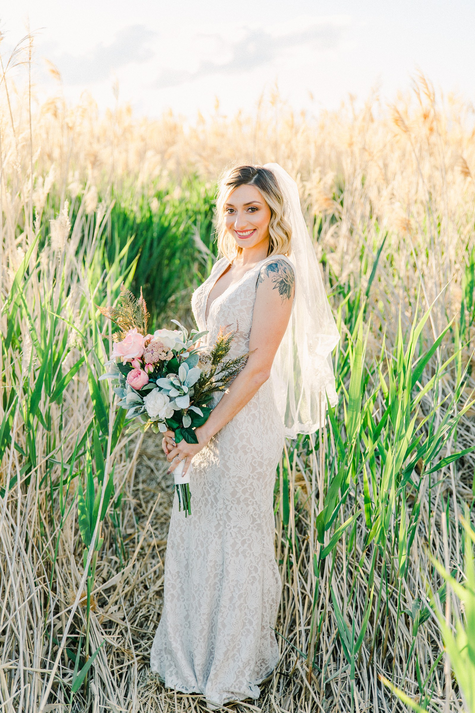 Salt Lake City Utah Bridal Wedding Photography, Tunnel Springs Park, bride in vintage lace dress with fingertip veil and pink bouquet