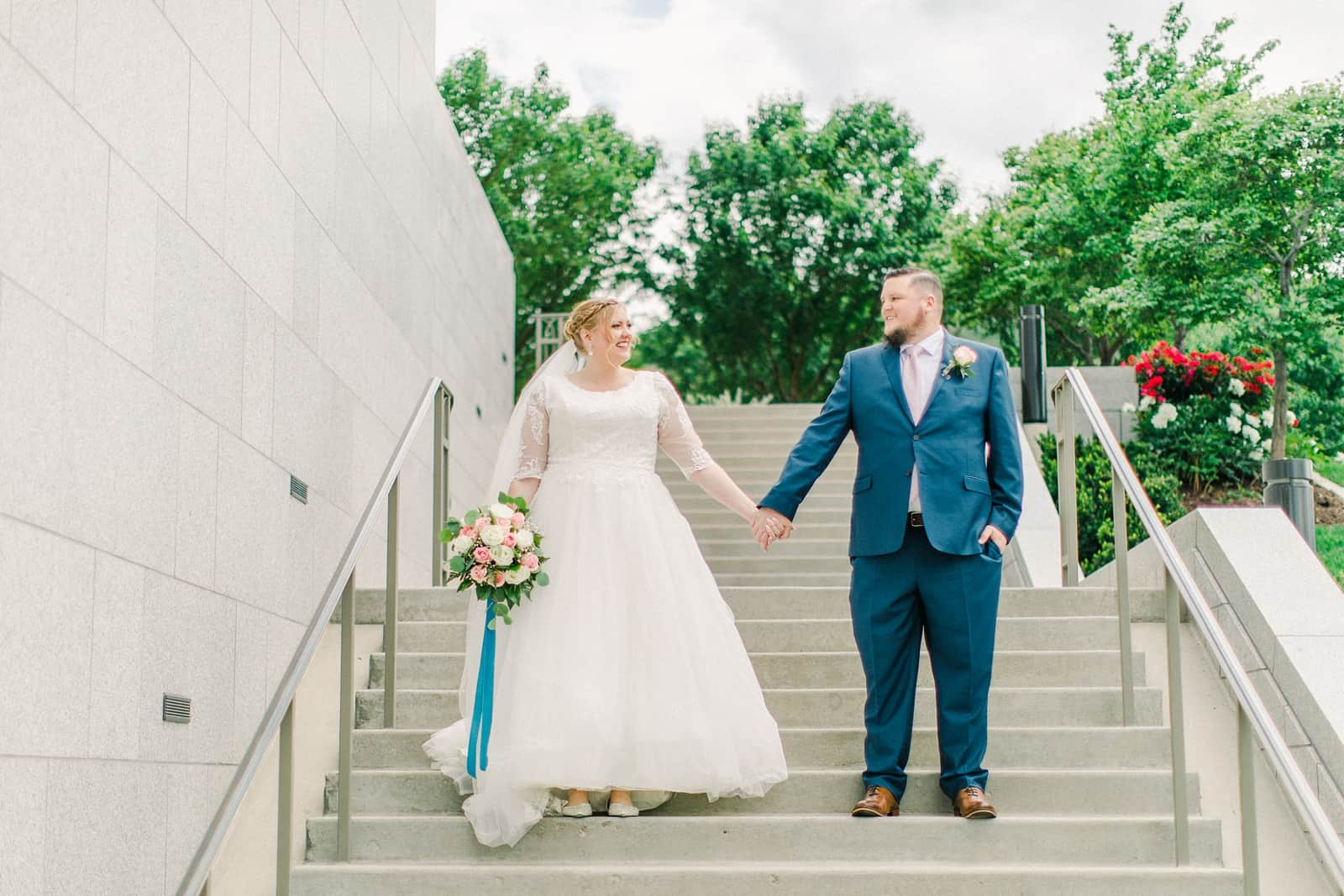 Draper LDS Temple Wedding, Utah wedding photography, summer backyard wedding, bride and groom