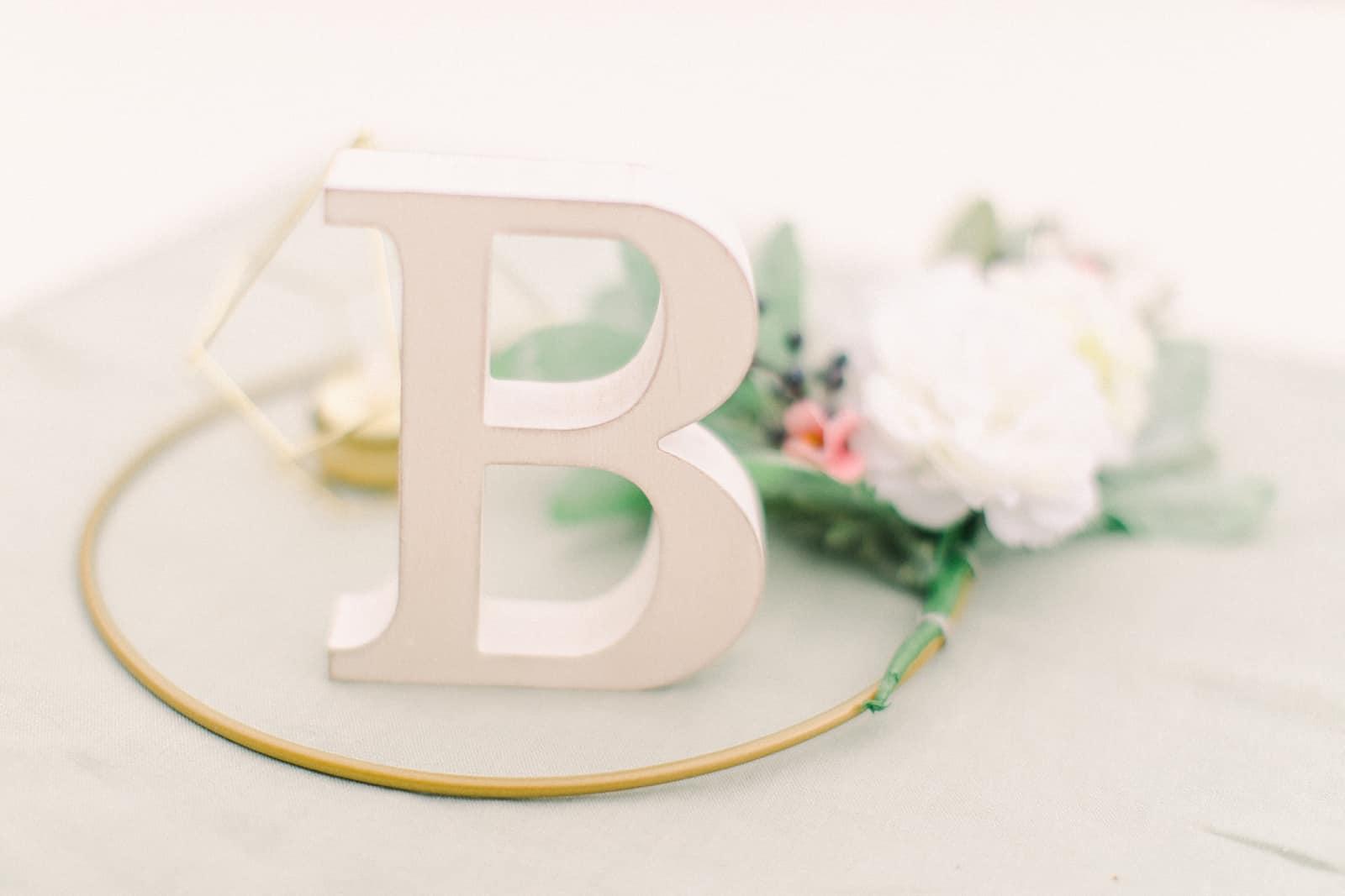 Draper LDS Temple Wedding, Utah wedding photography, summer backyard wedding, reception decor wooden letters