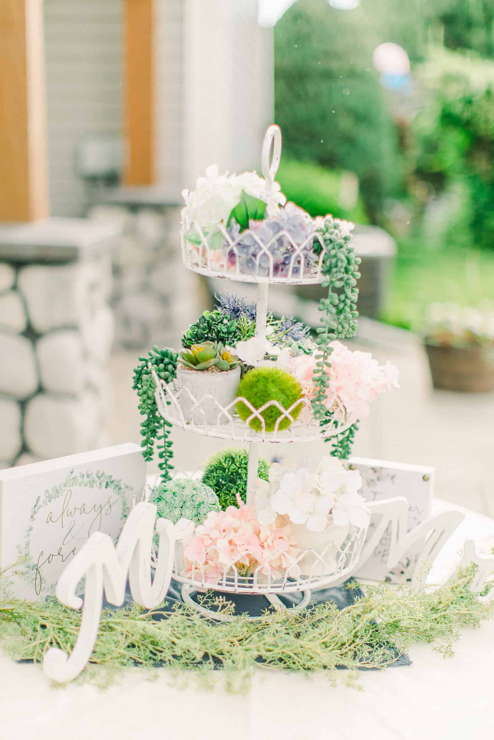 Draper LDS Temple Wedding, Utah wedding photography, summer backyard wedding, reception decor