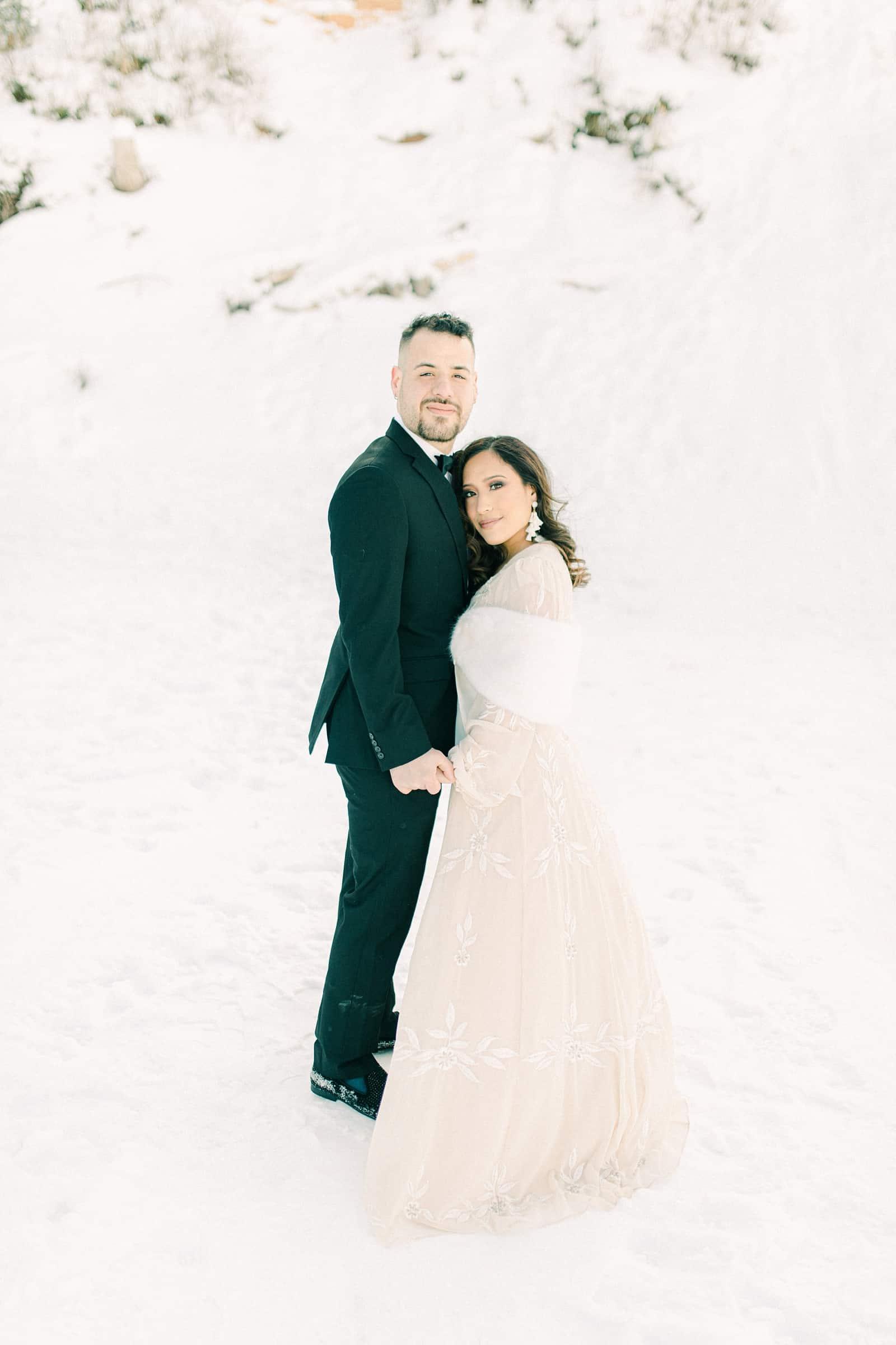 Winter bride and groom, winter wedding