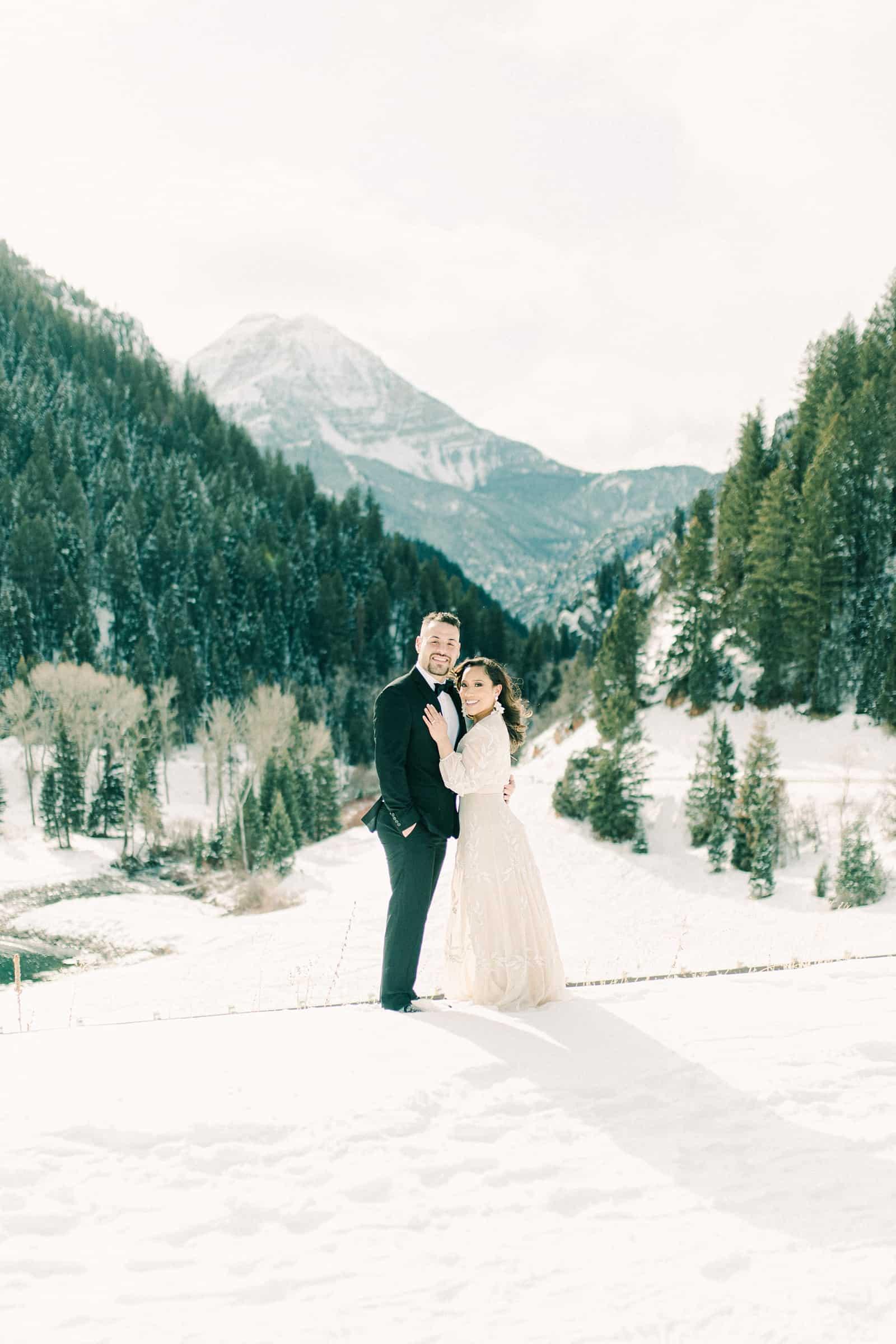Utah mountain winter wedding bride and groom